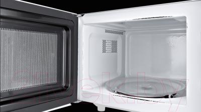 Микроволновая печь Bosch HMT72M420 - с открытой дверцей