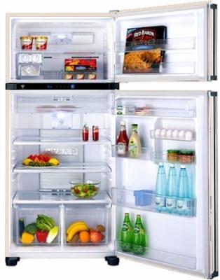 Холодильник с морозильником Sharp SJ-T640RBE - внутренний вид