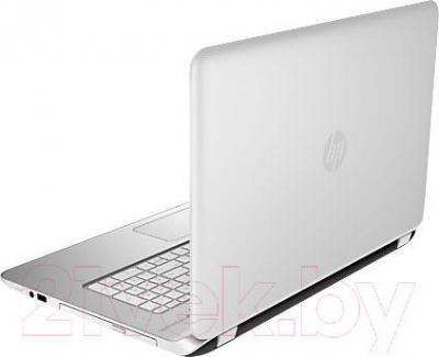 Ноутбук HP Pavilion 17-f107nr (K6X96EA) - вид сзади