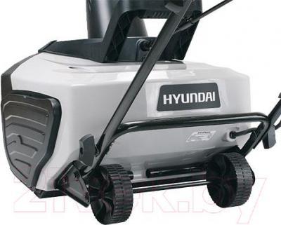 Снегоуборщик Hyundai S400 - вид сзади