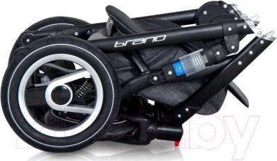 Детская универсальная коляска Riko Brano 2 в 1 (07) - в сложенном виде
