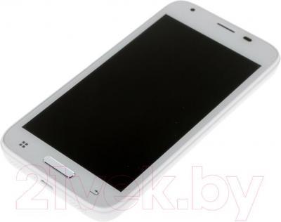 """Смартфон DEXP Ixion ES 4.5"""" (белый) - вид лежа"""