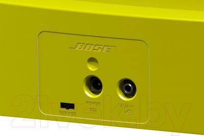 Мультимедийная док-станция Bose SoundDock XT (Yellow) - разъемы на задней панели