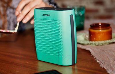 Портативная колонка Bose SoundLink Color (Mint) - в использовании