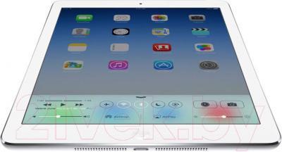 Планшет Apple iPad Air 2 16GB 4G / MGH72RU/A (серебристый) - вид снизу