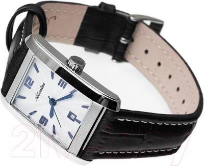 Часы женские наручные Adriatica A3132.52B3Q - вполоборота