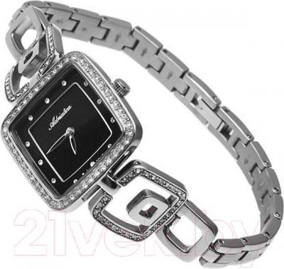 Часы женские наручные Adriatica A4513.4144QZ - вполоборота
