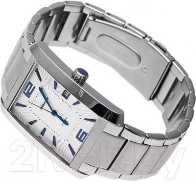 Часы мужские наручные Adriatica A1019.51B3Q - вполоборота
