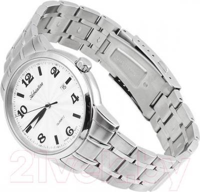 Часы мужские наручные Adriatica A8207.5153Q - вполоборота