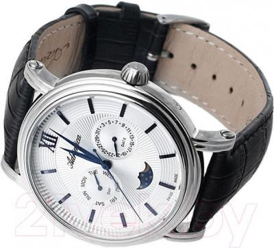 Часы мужские наручные Adriatica A8207.51B3Q - вполоборота