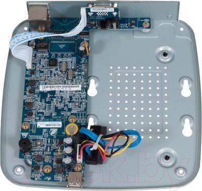 Видеорегистратор наблюдения RVi IPN4/1 - внутренний вид