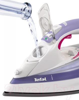 Утюг Tefal FV5335E0 - отверстие для добавления воды