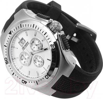 Часы мужские наручные Adriatica A1119.5213CH - вполоборота