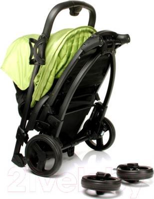 Детская прогулочная коляска 4Baby Atomic (бежевый) - в сложенном виде