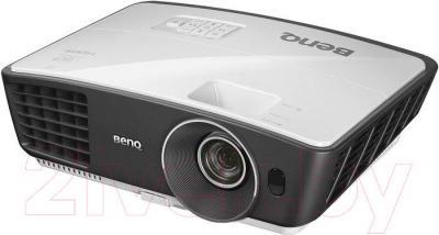 Проектор BenQ W750 - общий вид