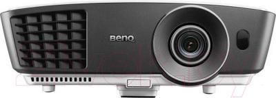 Проектор BenQ W750 - вид спереди