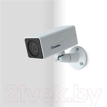 IP-камера GeoVision GV-EBX1100-0F - крепление на стене
