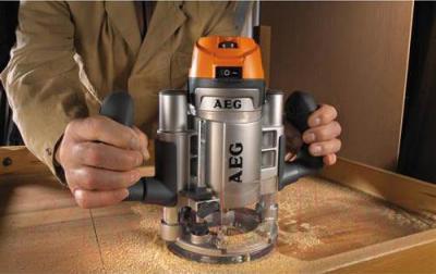 Профессиональный фрезер AEG Powertools MF 1400 KE - в работе