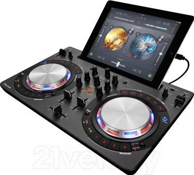 DJ контроллер Pioneer DDJ-WEGO3-K - вид сбоку