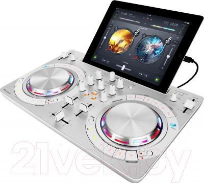 DJ контроллер Pioneer DDJ-WEGO3-W - общий вид