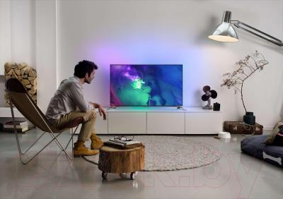 Телевизор Philips 55PUS9109/60 - вид в интерьере