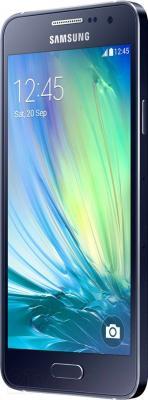 Смартфон Samsung Galaxy A3 / A300F/DS (черный) - вполоборота