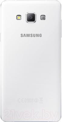 Смартфон Samsung Galaxy A7 / A700FD (белый) - вид сзади