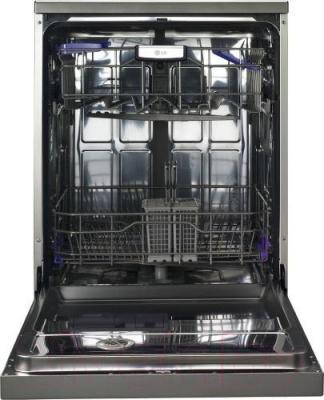 Посудомоечная машина LG D1452LF - с открытой дверцей