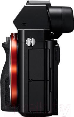 Зеркальный фотоаппарат Sony ILCE-7B - вид сбоку