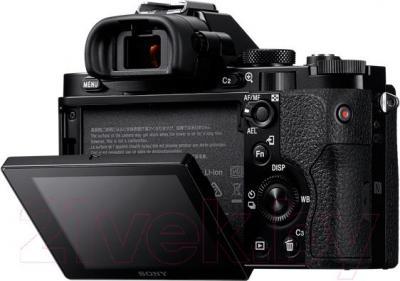 Зеркальный фотоаппарат Sony ILCE-7B - вид сзади