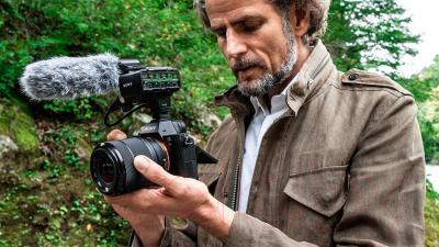 Беззеркальный фотоаппарат Sony ILCE-7M2KB Kit (FE 28-70/3.5-5.6 OSS) - общий вид