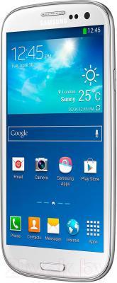 Смартфон Samsung Galaxy S III Duos / I9300I (белый) - вполоборота