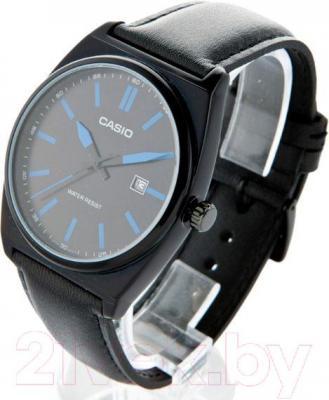 Часы мужские наручные Casio MTP-1343L-1B2EF - вполоборота