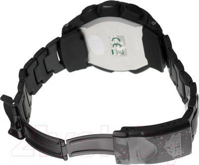 Часы мужские наручные Casio PRG-550BD-1ER - вид сзади