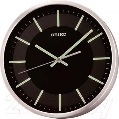 Настенные часы Seiko QXA618A