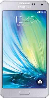 Смартфон Samsung Galaxy A3 / A300F/DS (серебристый) - общий вид