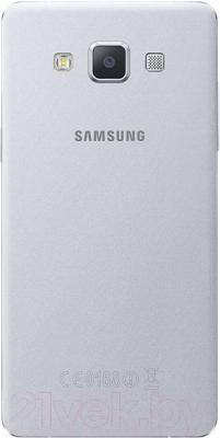 Смартфон Samsung Galaxy A3 / A300F/DS (серебристый) - вид сзади