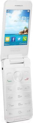 Мобильный телефон Alcatel One Touch 2012D (белый) - вполоборота