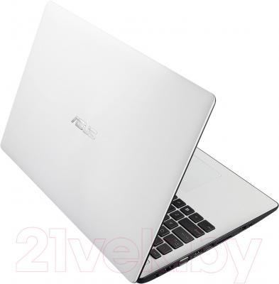 Ноутбук Asus X553MA-XX067D - вид сзади