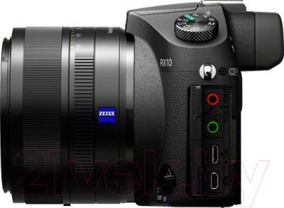 Компактный фотоаппарат Sony DSC-RX10 - вид сбоку