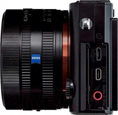 Компактный фотоаппарат Sony DSC-RX1R - вид сбоку