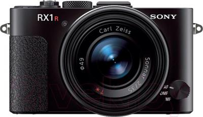 Компактный фотоаппарат Sony DSC-RX1R - вид спереди
