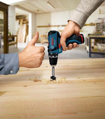 Профессиональная дрель-шуруповерт Bosch GSR 10.8-2-LI Professional (0.601.868.101) - в работе