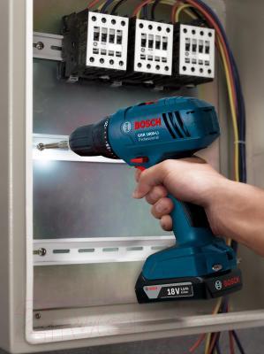 Профессиональная дрель-шуруповерт Bosch GSR 1800-LI Professional (0.601.9A8.305) - в работе