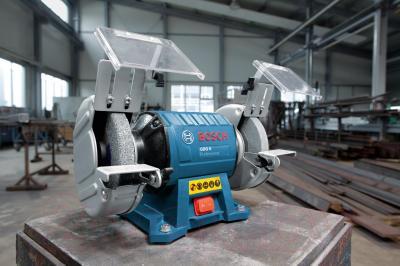 Профессиональный точильный станок Bosch GBG 6 Professional (0.601.27A.000) - в работе