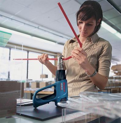 Профессиональный строительный фен Bosch GHG 660 LCD (0.601.944.703) - в работе