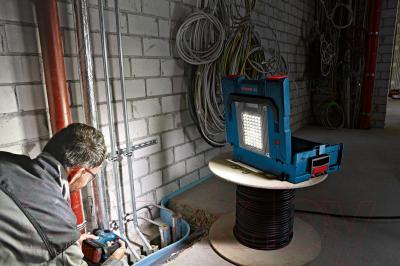 Ящик для инструментов Bosch GLI PortaLed 136 (0.601.446.100) - в работе