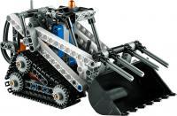 Конструктор Lego Technic Гусеничный погрузчик 42032 -