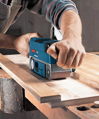 Профессиональная ленточная шлифмашина Bosch GBS 75 AE Set Professional (0.601.274.708) - в работе