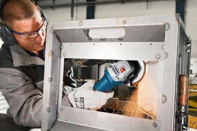 Профессиональная болгарка Bosch GWS 7-115 Professional (0.601.388.101) - в работе